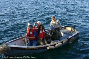 18. L1020637_Seal_biologists_arriving,7-22_edited-1